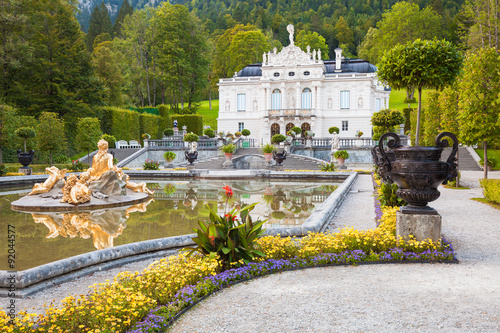 Deurstickers Kasteel Linderhof - Beautiful Bavarian Castle