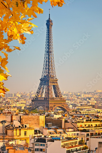 Fotobehang Athene View on Eiffel tower at sunset