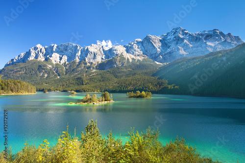 Photo Stands Green blue Zugspitzmassiv mit Eibsee