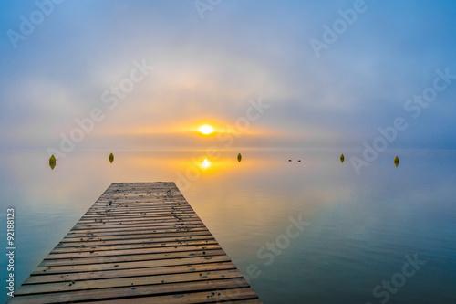 Fotobehang Pier Herbstmorgen am Schwarzer See, Mecklenburgische Seenplatte