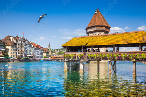 Fototapeta Historic town of Lucerne with Chapel Bridge, Switzerland
