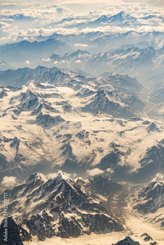 widok-z-lotu-ptaka-pasmo-gorskie-w-leh-ladakh-india