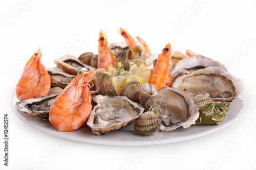 Fotobehang Schaaldieren seafood platter isolated on white