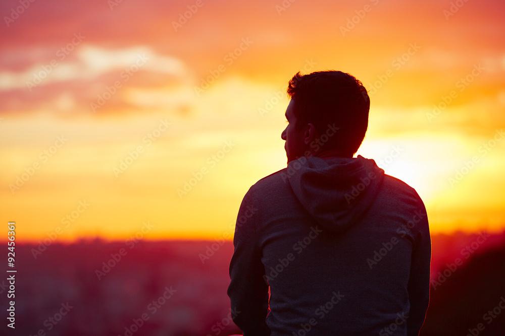 Fototapety, obrazy: Man at the sunrise