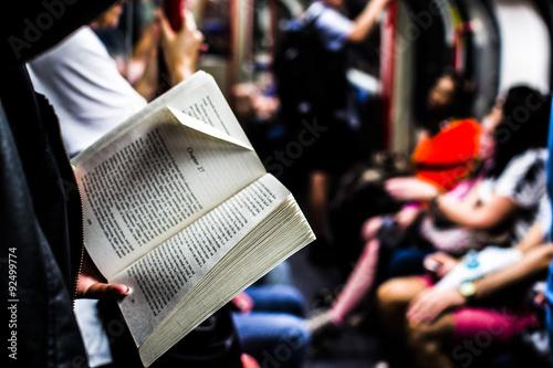 Fotografía Leggere in metropolitana