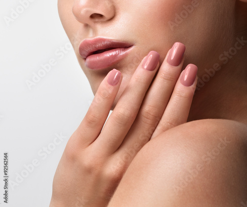 Staande foto Manicure Beautiful Young Woman with Clean Fresh Skin. Close up Portrait.