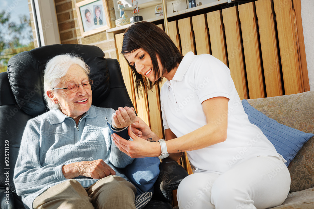 paragraph on caring for elderly Caring for your parents as they get older can put a huge strain on your family, particularly if you are also trying to balance your own family's needs.
