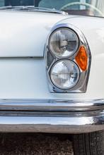 Frontlicht Einer Luxuslimousine Der 60er Jahre