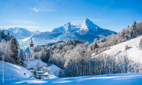 idyllic-winter-landscape-with-chapel-in-the-alps-berchtesgadener-land-bavaria-germany