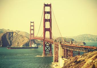 FototapetaOld film retro style Golden Gate Bridge in San Francisco, USA.
