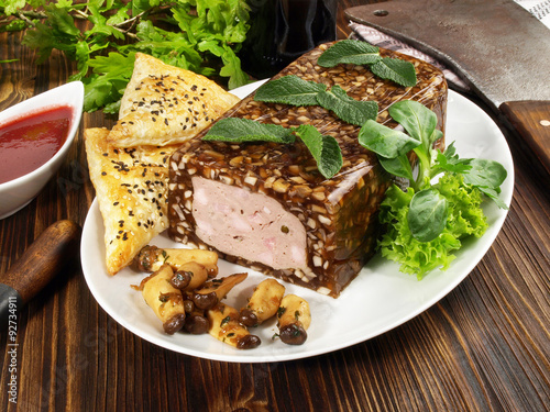 Recess Fitting Appetizer Rehterrine mit Pilze