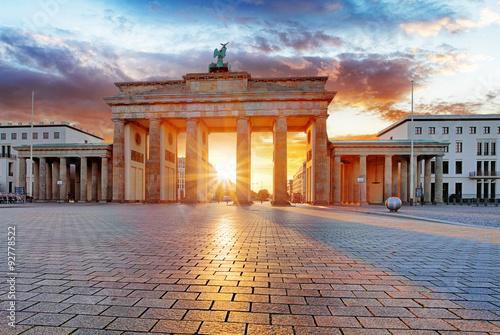 Zdjęcie XXL Berlin, brandenburg przy wschodem słońca, Niemcy