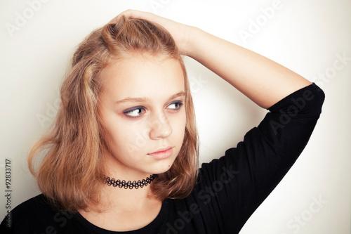 Fotomural Blond teenage girl in black tattoo choker