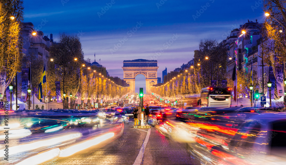 Fototapety, obrazy: Avenue des Champs-Elysees with Christmas lighting leading up to the Arc de Triomphe in Paris, France