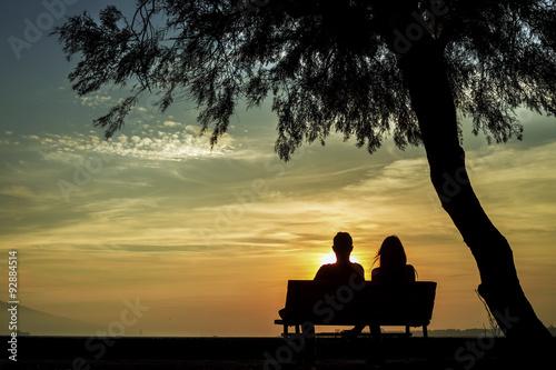 Fotografie, Obraz  Gün Batımında Sevgililer