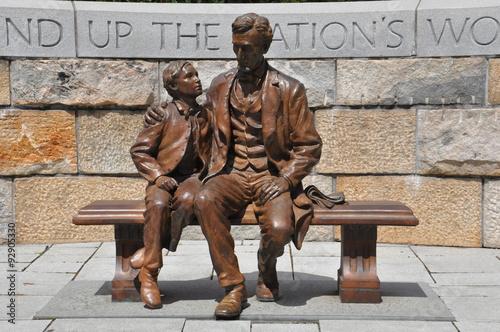 Fotografia  Abraham Lincoln Statue with son at the American Civil War Center in Richmond, Vi
