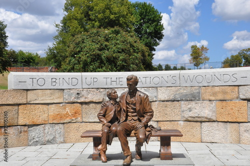 Photographie  Abraham Lincoln Statue avec son fils au Centre guerre de Sécession à Richmond, e