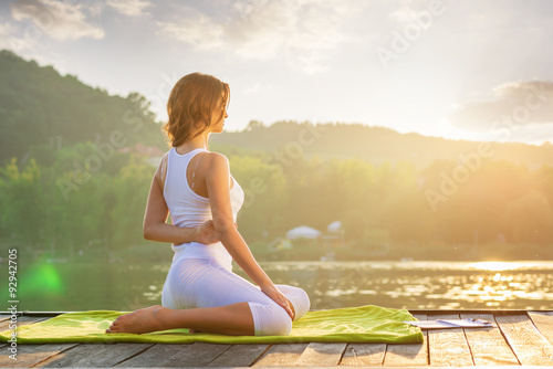 Stampe Woman Yoga - relax in nature