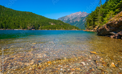 Spoed Fotobehang Bergen Beautiful Ross Lake, North Cascades national park, WA