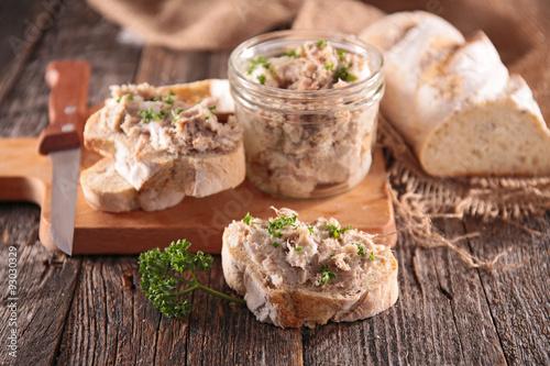 Valokuva  meat spread and bread