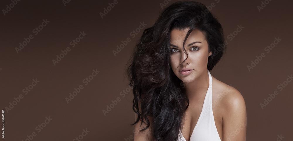 Fototapety, obrazy: Sensual brunette girl in studio.