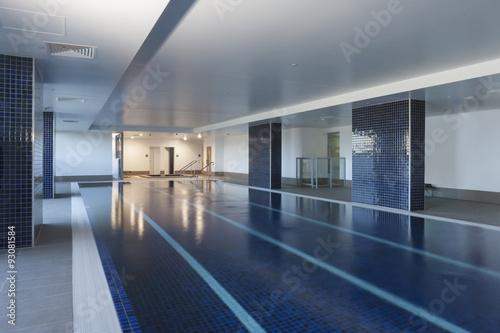 Keuken foto achterwand Treinstation Luxurious pool