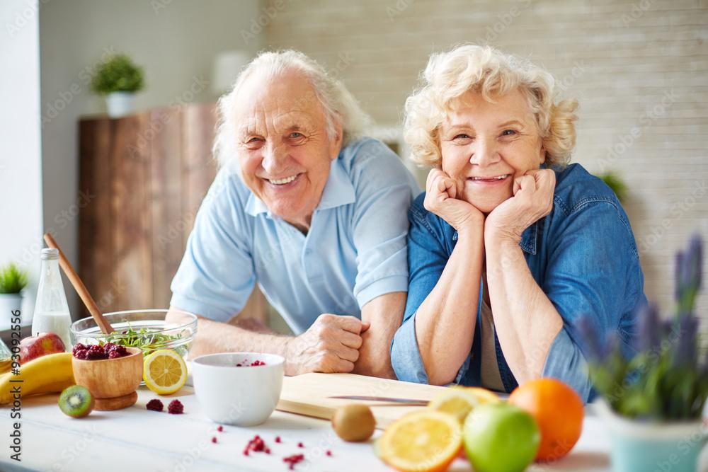 Fototapeta Seniors in the kitchen