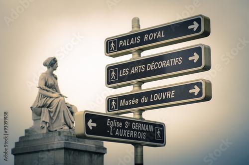 Poster Artistiek mon. Paris France statue on pont du carrousel carrousel bridge