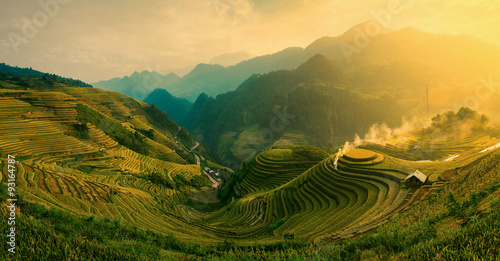 Photo  Rice fields on terraced of Mu Cang Chai , Vietnam.