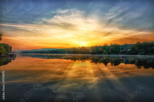 Foto  Рассвет на реке