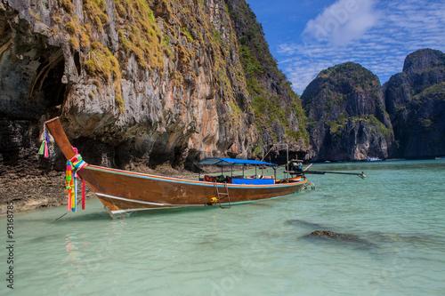 Stickers pour porte Pierre, Sable Thai boat in the sea
