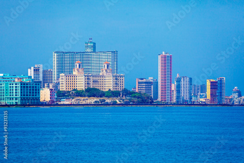 In de dag Havana Skyline of modern Havana and Caribbean sea, Cuba