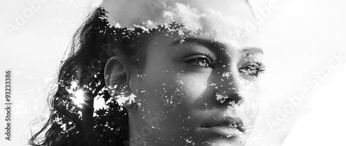 Photographie Double exposure of beautiful girl and leaves monochrome letterbo