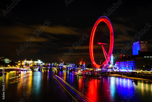 Cuadros en Lienzo London Eye at night, UK