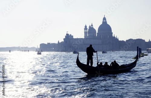 Türaufkleber Gondeln Venedig, Canal Grande mit Gondel und Kirche Santa Maria della Salute