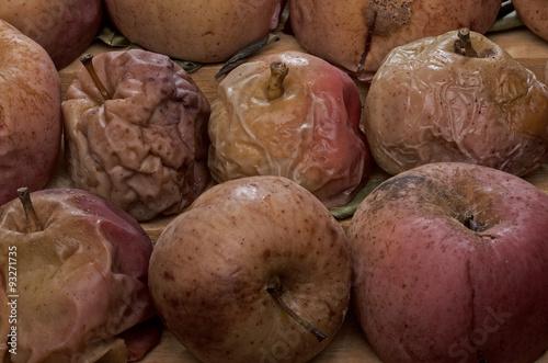Photo  Naturaleza muerta, manzanas deshidratadas,secas,