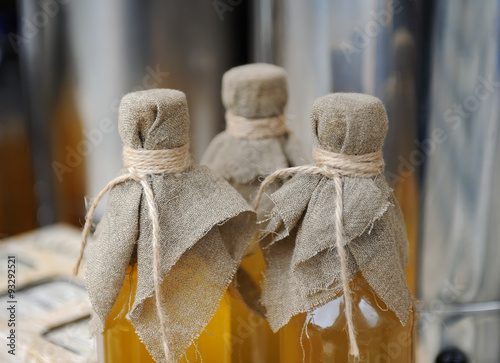 Fotografia Homemade liqueur with spices
