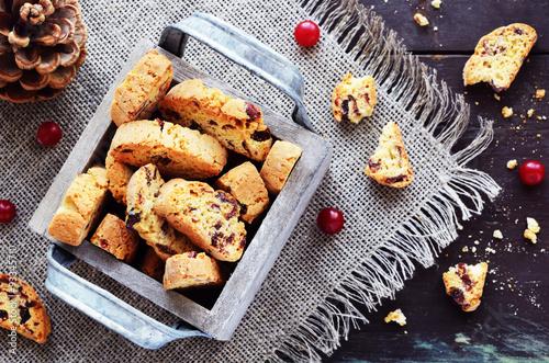 Cranberry biscotti in wooden box Fototapeta