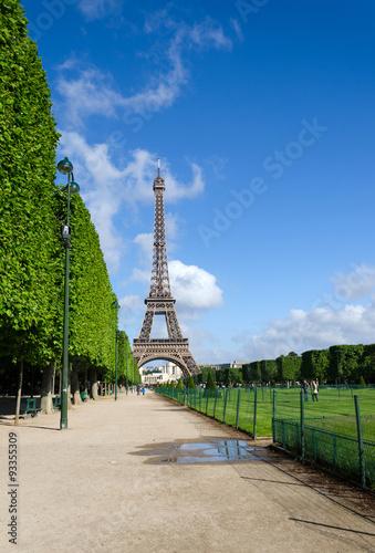 Photo  Eiffel Tower, Landmark in Paris