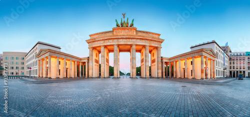 Poster Berlin Brandenburger Tor (Brandenburg Gate) panorama, famous landmark i