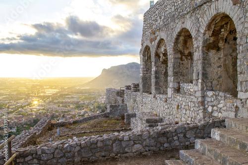 Valokuva  arcate del tempio di Giove Anxur