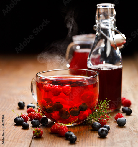 Blueberry and raspberry tea