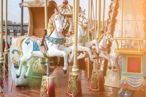 Fotografie, Obraz  Kolotoč. Koně na karnevalu.