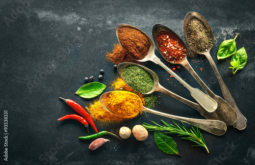 Fotografiet  Various herbs and spices