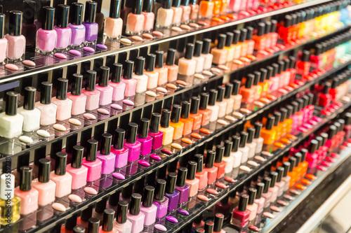 Fotografía  Conjunto de esmalte de uñas