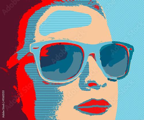 mloda-kobieta-w-okularach-w-stylu-pop-art