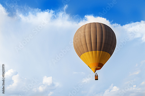 Foto op Canvas Luchtsport globo aerostático en el cielo