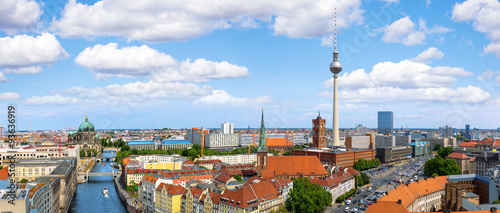 Tuinposter Berlijn Skyline of Berlin, view of the Alexanderplatz