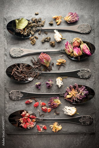 fototapeta na ścianę Different types of tea and dried herbs. Vertical