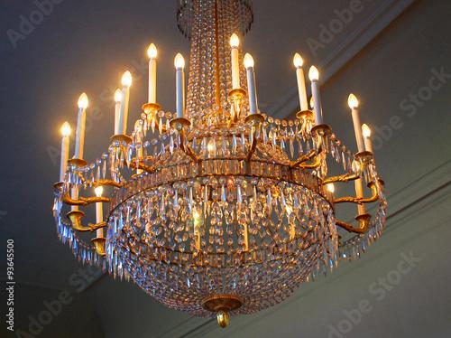 Moderne Lampen 93 : Kronleuchter mit brennenden lampen buy this stock photo and